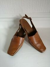 Ladies Clarks Tan Colour Leather Sling Back Kitten Heel Sandals Size 6E