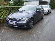 BMW 325 XI Kombi Allrad 218PS  Auto Alufelgen Xenon Benzin X Auto