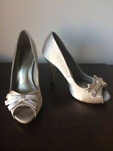 Monsoon ivory satin bridal wedding peep toe high heel shoes size 5 - worn once