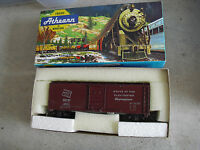 Vintage HO Scale Athearn Milwaukee Road Electrified Olympian Box Car in Box