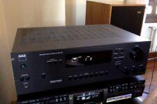 Receptor Stereo NAD AV-713 con mando a distancia.