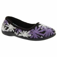 Women's Slipper Moccasins in Floral Pattern