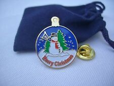 Masonic Freemason Bro Frosty Merry Christmas Snow Globe Lapel Pin Plus Pouch