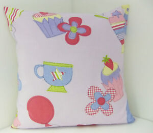 CUPCAKE CUSHION COVERS PRETTY PINK SHABBY  CHIC-STYLE PASTEL COLOURED  CUP CAKE
