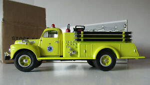 1ST FIRST GEAR 1951 FORD F-7 FIRE ENGINE #923 NEW YORK STATE THRUWAY 19-1905