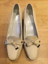 Ladies Geox Respira Cream Leather Slip On Court Shoes Size 5.5 EU 39 Kitten Heel