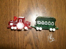 Hallmark Merry Miniatures Locomotive & Passenger Car With Bunny Tales Book