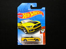 2018 Hot wheels > 2015 Ford Mustang GT Convertible > Case J #168 /365 Yellow