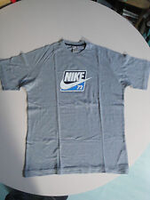 NIKE T-Shirt gris