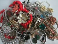 1kg JOB LOT VINTAGE JEWELLERY WEAR  SPARE REPAIR BEADS HARVEST VINTAGE JEWELLERY