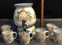 1988 Louisville Stoneware Country Flower Beverage Dispenser Crock 6 Cups DuPont