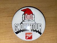 VINTAGE GNOME TOUR 7UP OLD PIN PINBACK BUTTON SANTA CLAUS
