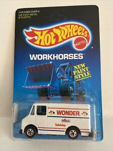 Hot Wheels Delivery Truck 1988 Wonder Bread Hostess twinkies 2808 UNPUNCHED
