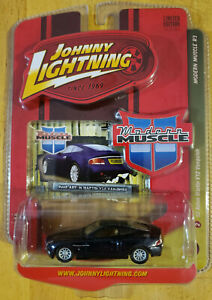 Johnny Lightning Modern Muscle 2002 Aston Martin V12 Vanquish