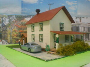 HO scale Farm house 2  detailed,painted, w/light Revell