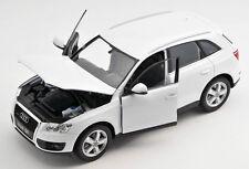 BLITZ VERSAND Audi Q5 weiss / white Welly Modell Auto 1:24 NEU & OVP
