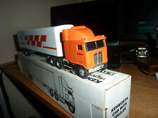 ERTL KENWORTH CAB WITH TRAILER VICTOR RECREATION PRODUCTS 1/64 BOXED