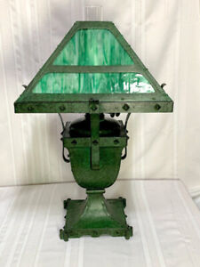 BRADLEY & HUBBARD RIVITED ARTS & CRAFTS OIL LAMP, FROGSKING GREEN PATINA, NICE~~