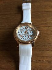 New Ladies Gents Leisure Watch with White Silcone Strap  W124c