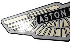 Plaque emaillée ASTON MARTIN 21x80cm -NEUF- garantie 10 ans COLLECTION insigne