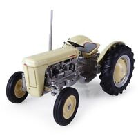 4991 Universal Hobbies 1957 Ferguson TO35 tractor BOXED 1:32 New
