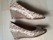 NATURALIZER ORANGE BROWN AND WHITE WEDGE SHOES SIZE UK 8 US 10