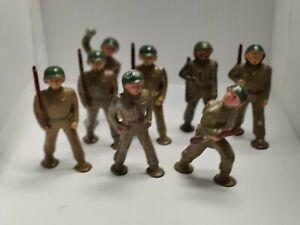 Vintage Barclay pod foot army men metal