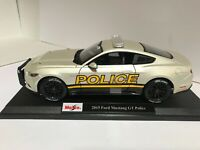 Maisto 2015 Ford Mustang GT Police Car Pearl White 1:18 Exclusive Style  #36203