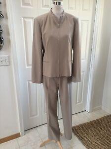 TALBOTS Beige Pants Suit Wool Blend Zip Up Jacket Worn Once 10/12 Mint!