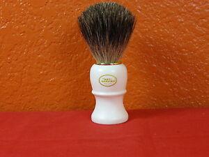 Shaving Brush The Art of Shaving, Genuine Badger, Brand New Plastic tip