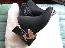 """Negro """"Love sus botas"""" BNWT Talla 4, imitación de gamuza y Cocodrilo Look, Dble cremalleras en cada"""