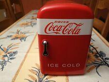 Mini réfrigérateur Coca Cola  220 / 12 volts en bon état.