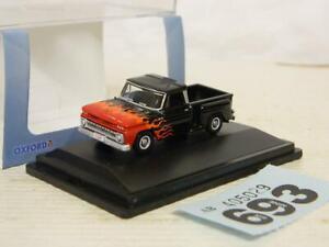 Oxford Diecast 1:87/HO Chevrolet Stepside Pick Up 1965 Black Red Flame 87CP65004