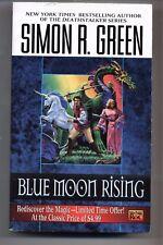 SIMON R. GREEN - Blue Moon Rising (Hawk & Fisher) - MASS MARKET 2000 PB