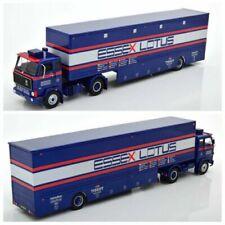Camions miniatures bleus Volvo