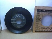 Old 45 RPM Record - Decca 9-29625 - Four Aces - Love is a Many-Splendored Thing