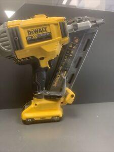 Dewalt DCN692 Nail Gun - Faulty (100348)