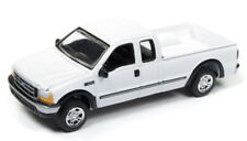 1/64 JOHNNY LIGHTNING 2004 Ford F-250 in White w/ tow hitch