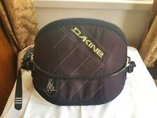 New listing Dakine chameleon harness - size large