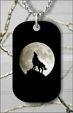 WOLF IN A NIGHT FULL MOON DOG TAG PENDANT NECKLACE FREE CHAIN -ses4Z
