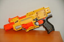 NERF Barricade RV-10 gun works well yellow orange, no battery cover
