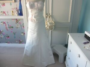 Vintage wedding dress in ivory with touch of pink 10 lace up