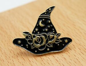 Witches Hat Pin in Gold - 22mm Long, 30mm Wide