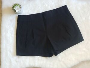 J Crew Women's Size 6 Black Pleated Shorts with Pockets/side invisible zipper