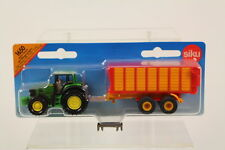 Siku SK1650 Diecast John Deere Tractor with Silage Trailer.