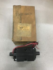 NEW IN BOX PARKER PNEUMATIC VALVE SS40105001