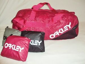 $45 NEW OAKLEY FACTORY LITE UNISEX DUFFEL BAG TURNS INTO POCKET 92516 NYLON