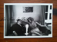 Party BERLIN ouest 1964 couple on sofa photo René Burri  postcard