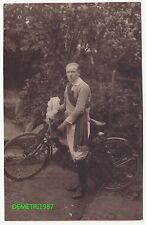 Foto Ak Sieger Radrennen junger Mann mit Fahrrad um 1920 Chemnitz ! (F797