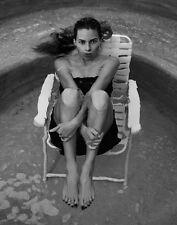 Hilary Swank UNSIGNED photo - H2884 - SEXY!!!!!